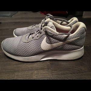 Nike Swish Run Free Grey Sneakers Size 9
